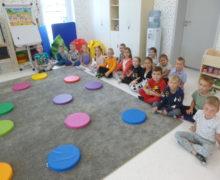 przedszkole-klodawa-grupa-sowki-dzien-kropki