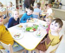 """Pszczółki-dziecięce kulinaria ,,Kolorowe kanapki"""""""